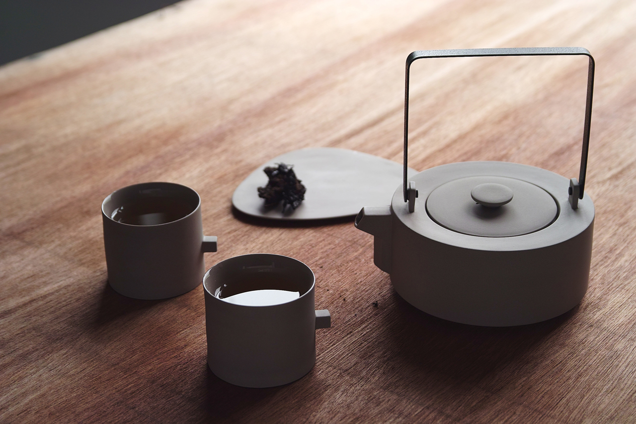 Ash Gray Tea Set